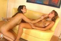Porno con porche lesbiche amanti dei dildo